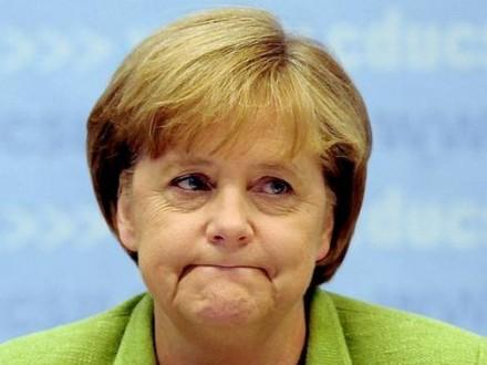 Меркель отложила решение относительно собственной кандидатуры напост канцлера