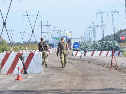 Налинии разграничения обстреляли блокпосты «Марьинка» и«Шахта Родина»
