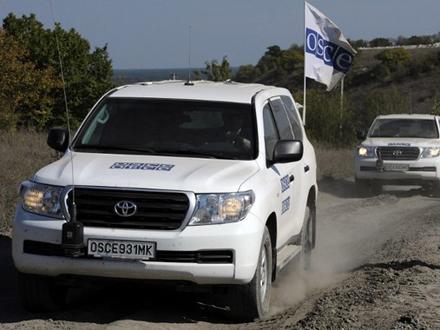 Наблюдатели ОБСЕ вернулись напередовую базу вСчастье