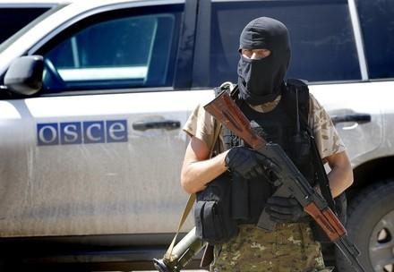 ВСММ ОБСЕ утверждают, что члены «ДНР» грозили оружием ихнаблюдателям