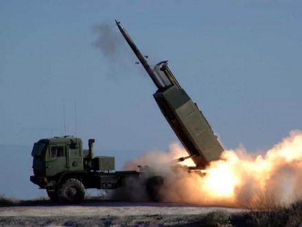США ударили попозициямИГ вСирии изракетно-артиллерийской системы