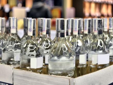 Народные избранники поддержали отмену лицензий наэкспорт иимпорт алкоголя