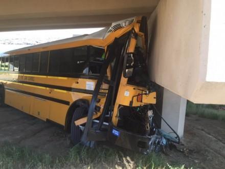 ВДенвере шофёр школьного автобуса погибла вДТП