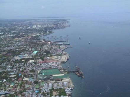 Танкер сукраинцами наборту столкнулся скораблём ВМС Филиппин