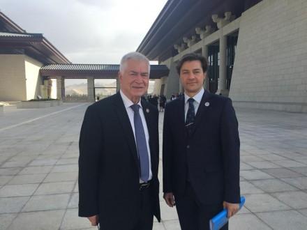 Міністр культури обговорив з послом України у Китаї друк українських книжок китайською мовою