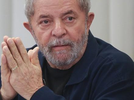 Экс-президент Бразилии предстанет перед судом закоррупцию