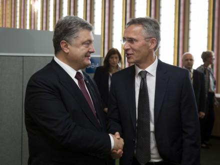 Порошенко пообщался с генеральным секретарем НАТО вНью-Йорке
