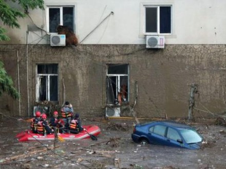 Ливни вТбилиси: затоплены первые этажи зданий