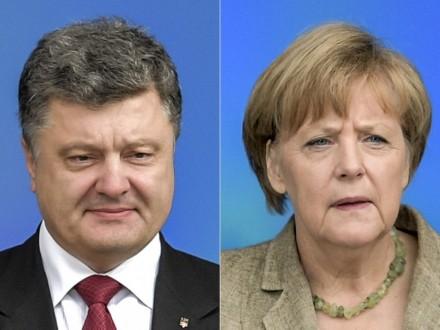 П.Порошенко сказал  А.Меркель обобстрелах состороны боевиков наДонбассе