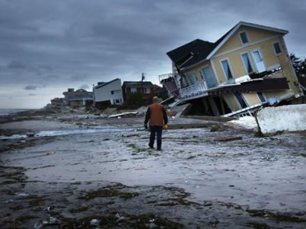 США евакуювали 700 американців зГуантанамо через наближення урагану