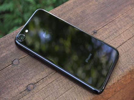 ВУкраїні офіційно дозволили використовувати iPhone 7