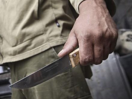 Житель Херсонщини поранив сусідку, після чого скоїв самогубство