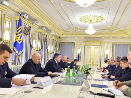 Порошенко посетит Варшаву 2декабря— руководитель нацобороны Польши
