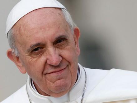 Папа Римский вновь призвал немедленно закончить огонь вСирии