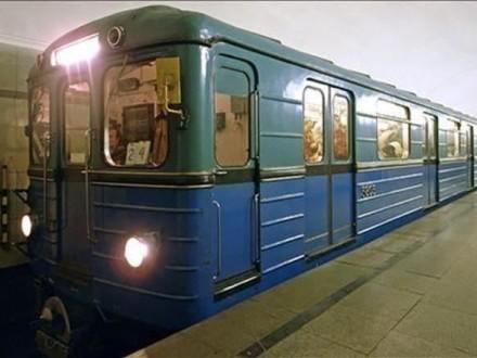 На основной станции метро вКиеве произошло ЧП