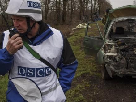 Патруль СММ ОБСЄ потрапив під обстріл поблизу Золотого