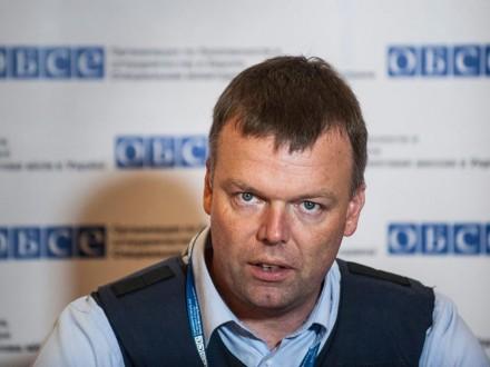 ОБСЄ: процес відведення озброєнь натрьох ділянках наДонбасі припинився