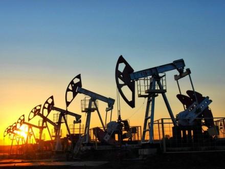 Нефть дорожает нафоне сокращения запасов вСША