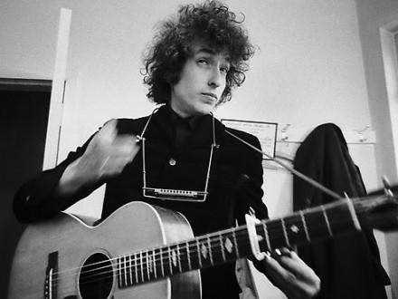 Боб Дилан проинформировал, что принимает Нобелевскую премию