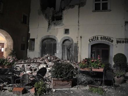 МИД: Украинцы непострадали в итоге землетрясения вИталии