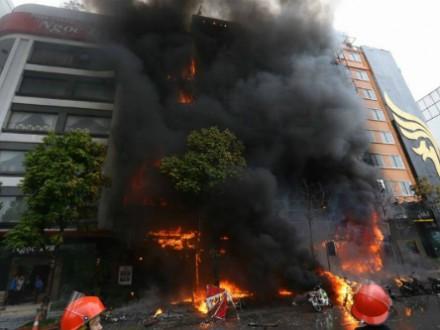 У В'єтнамі під час пожежі в караоке-барі загинули щонайменше 13 людей