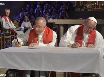 Папа Франциск та Президент Всесвітньої Лютеранської Федерації підписали спільну декларацію