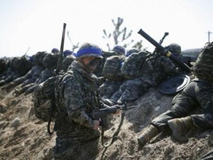 НАТО и Россия проводят одновременно военные учения на Балканах
