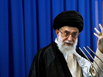Лидер Ирана высмеял выборы вСША