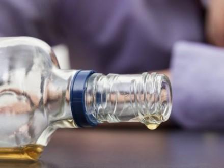 Количество умерших ототравления суррогатным спиртом выросло до 67