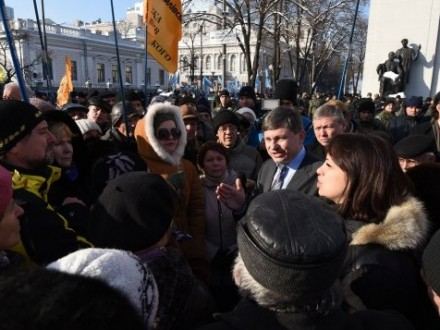 Порошенко подписал закон овозмещении ущерба вкладчикам банков