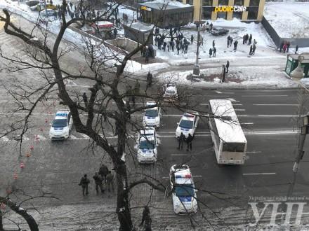Вцентре столицы Украины возобновили движение транспорта