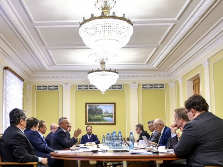 ВРаду внесли законодательный проект оКонституционном суде