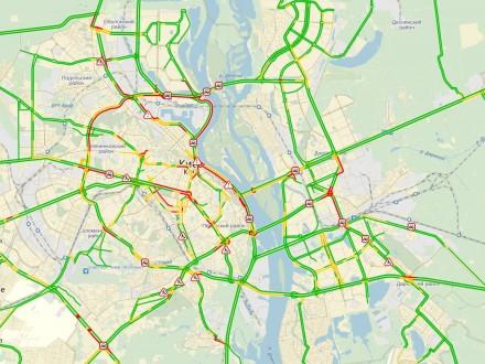 Снегопад вКиеве привёл ктранспортному коллапсу