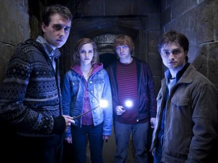 Приключения Гарри Поттера показали водном видео