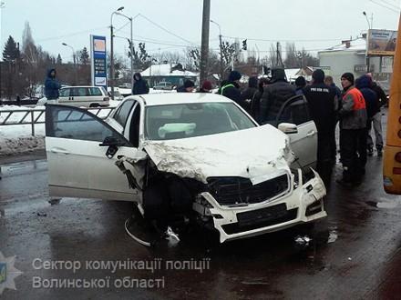 ВЛуцке экс-полицейский сбил напереходе школьника ипопытался исчезнуть