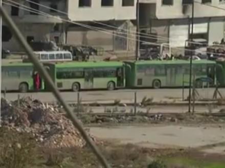 Превратившихся в бунтовщиков боевиков эвакуируют изАлеппо