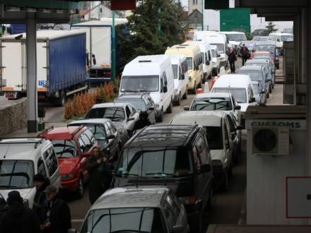 Награнице сПольшей вочередях стоят неменее 700 авто - ГПСУ