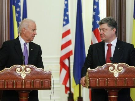 Байден иПорошенко обсудили конфликт вгосударстве Украина исанкции против РФ
