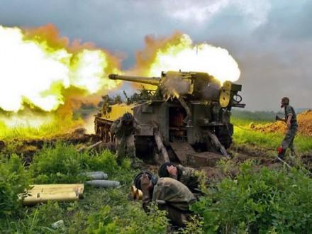 Боевики палят изминометов, артиллерии ипротивотанковых комплексов