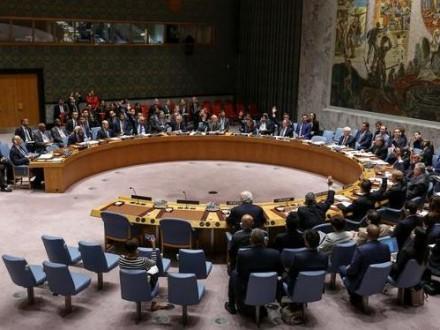 Чуркин: РФ неподдержит предложение Франции направить наблюдателей вСирию
