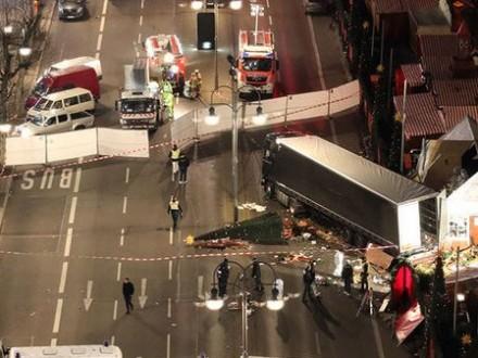 Поліція схиляється до версії про теракт у справі про напад в Берліні e0808d92dded8