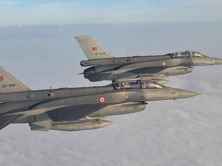 В итоге авиаударов турецких ВВС поЭль-Бабу погибли 24 мирных жителя