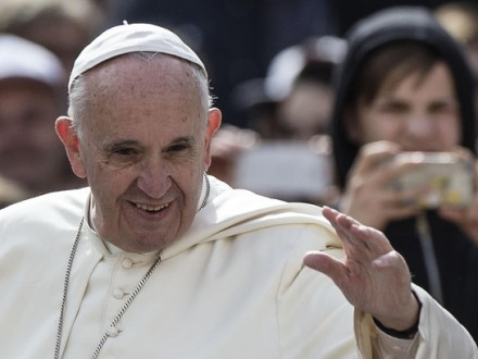Папа Франциск отслужил рождественскую мессу вВатикане