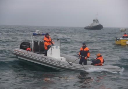Работники МЧС обнаружили 140 фрагментов тел погибших вкрушении Ту-154