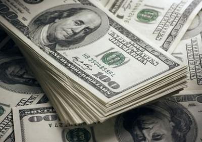 Белых синди доллар в роли гувернантки трахают