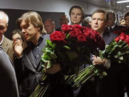 В «Останкино» проходит прощание спогибшими при крушении Ту-154 корреспондентами