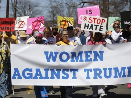 Встолице Англии тысячи женщин вышли на«Женский марш» против Трампа