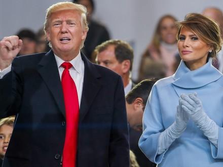 Попути вБелый дом Трампа поприветствовали русским флагом