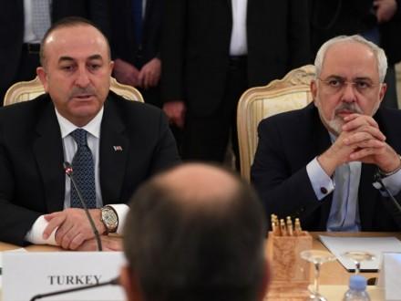 Делегации РФ, Турции иИрана проводят встречу вАстане