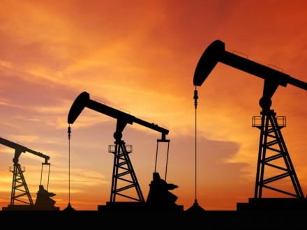 Новак отчитался о понижении объемов добычи нефти вРФ